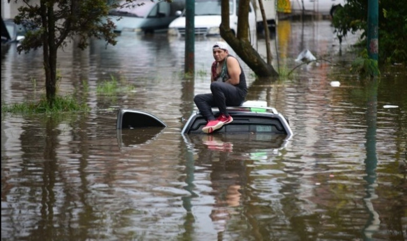 Azota tormenta a Xalapa, Veracruz, inundando 29 colonias