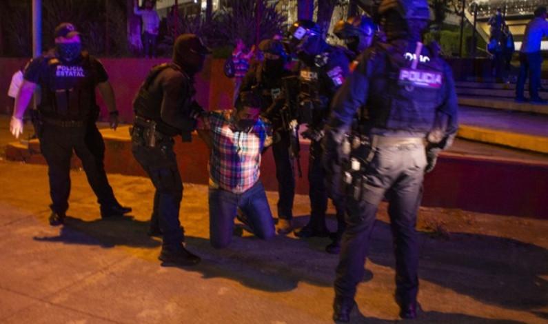 Liberan a 14 maestros del SDTEV detenidos en la SEV