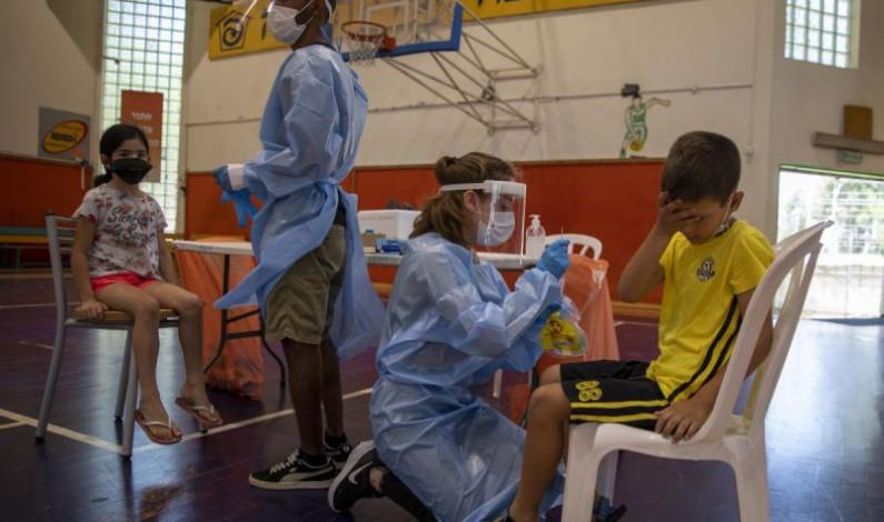 Israel ve 'señales' de que variante Delta puede resistir vacunas