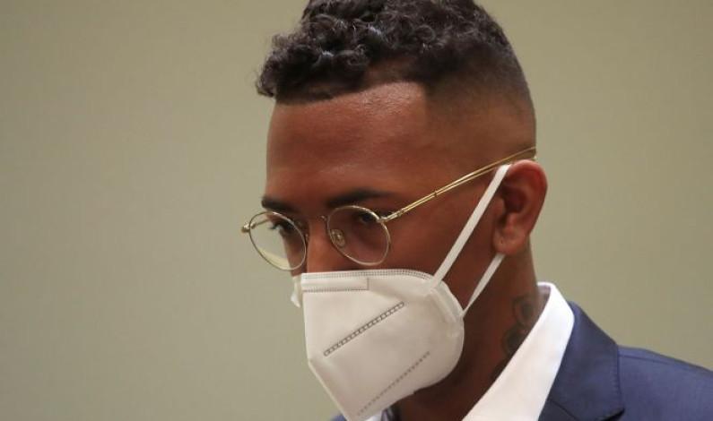 Boateng lanzó nevera portátil a expareja, según acta